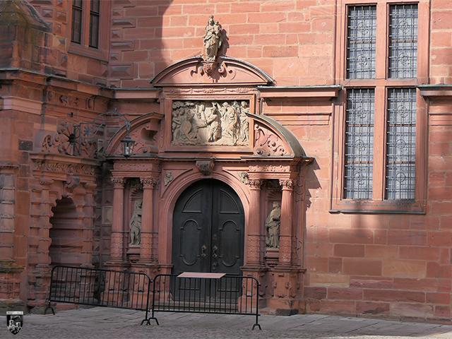 Schloss Johannisburg - Der Eingang zur Schlosskapelle ist besonders schön.