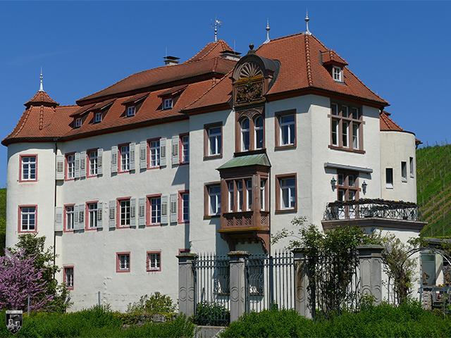Unteres Schloss Neuweier in Baden-Württemberg