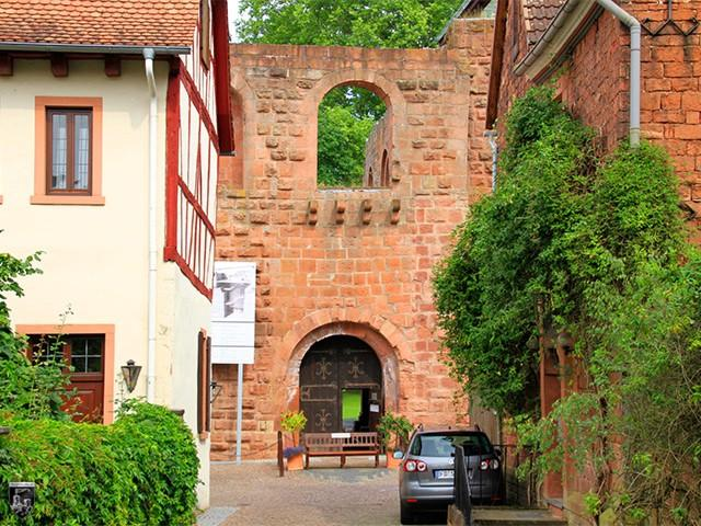 Burg und Kaiserpfalz Gelnhausen in Hessen