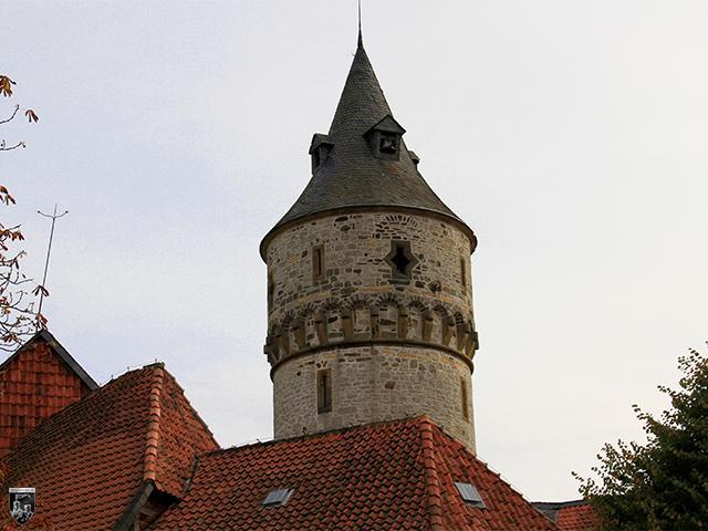 Schloss Oelber - Der Treppenturm wirkt durch seinen Umbau wie ein Bergfried.