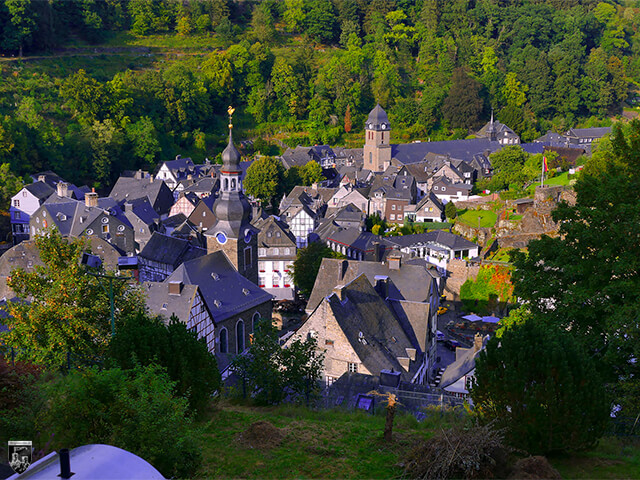 Burg Monschau - Blick auf den Ort Monschau