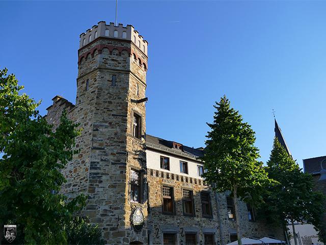 Burg Adenbach, Kolventurm in Rheinland-Pfalz