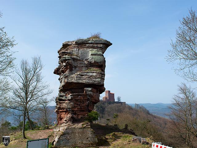 Burg Anebos in Rheinland-Pfalz