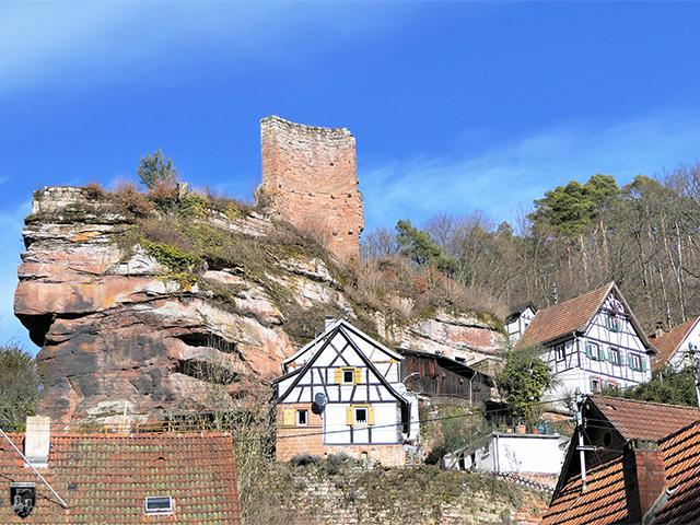 Burg Elmstein in Rheinland-Pfalz