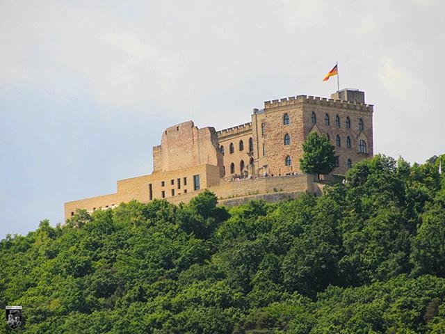 Burg Hambach, Hambacher Schloss, Maxburg, Kästenburg in Rheinland-Pfalz