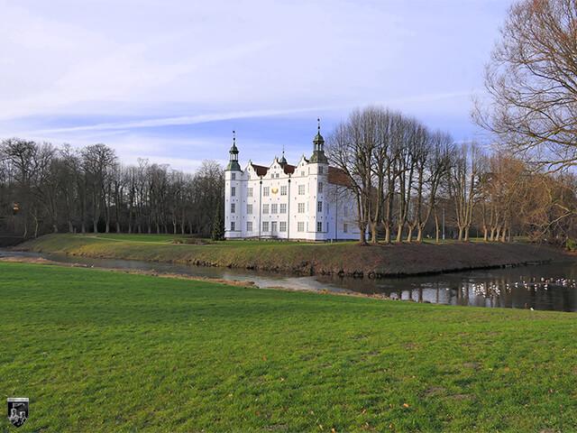 Schloss Ahrensburg in Schleswig-Holstein