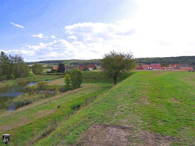 Festung Heldrungen - Die Erdwälle der Bastionen sind noch deutlich erkennbar.