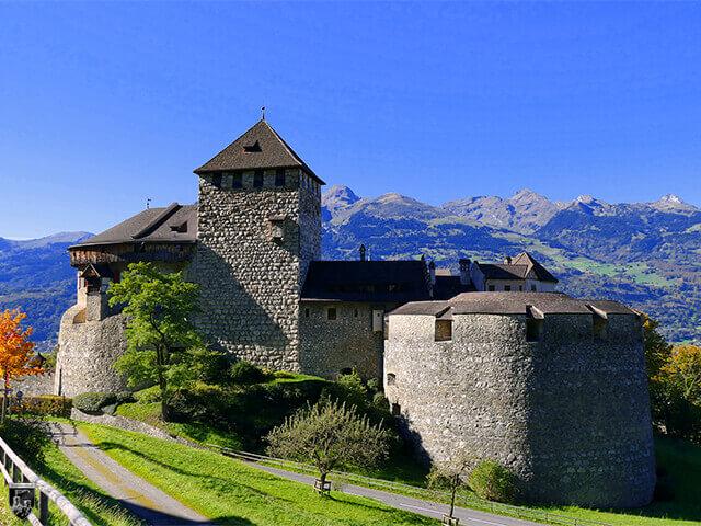 Schloss Vaduz, Burg Hohenliechtenstein